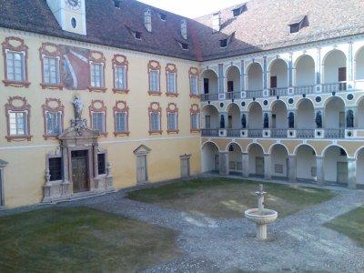 Brixen_hofburg.jpg