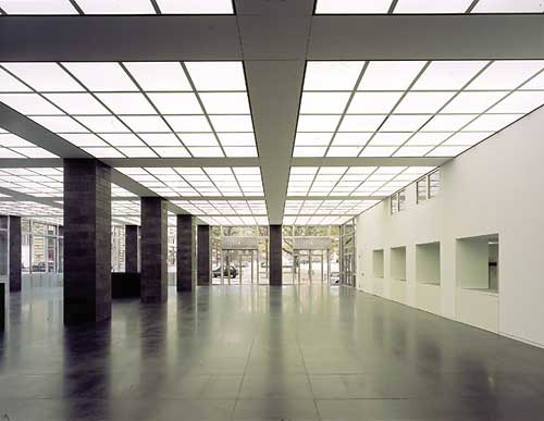 wallraf-foyer.jpg