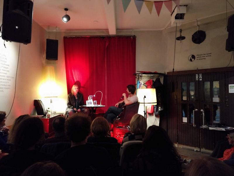 Gespräch und Lesung bei der Fuck Up Night der Kölner Literaturnacht.